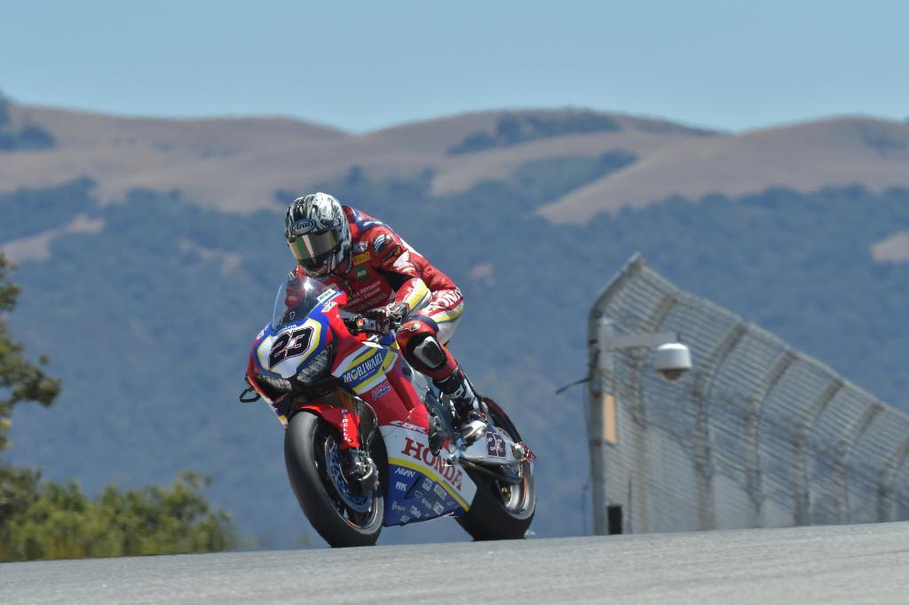 #SBK スーパーバイク世界選手権の第9戦がアメリカで開催されました。Moriwaki Aithea Honda Teamの清成選手はSPレースを15位、レース2はポイント獲得圏内の15位となりました。 レースレポートはこちらから→ http://spr.ly/6016EvFtE #ホンダモースポ