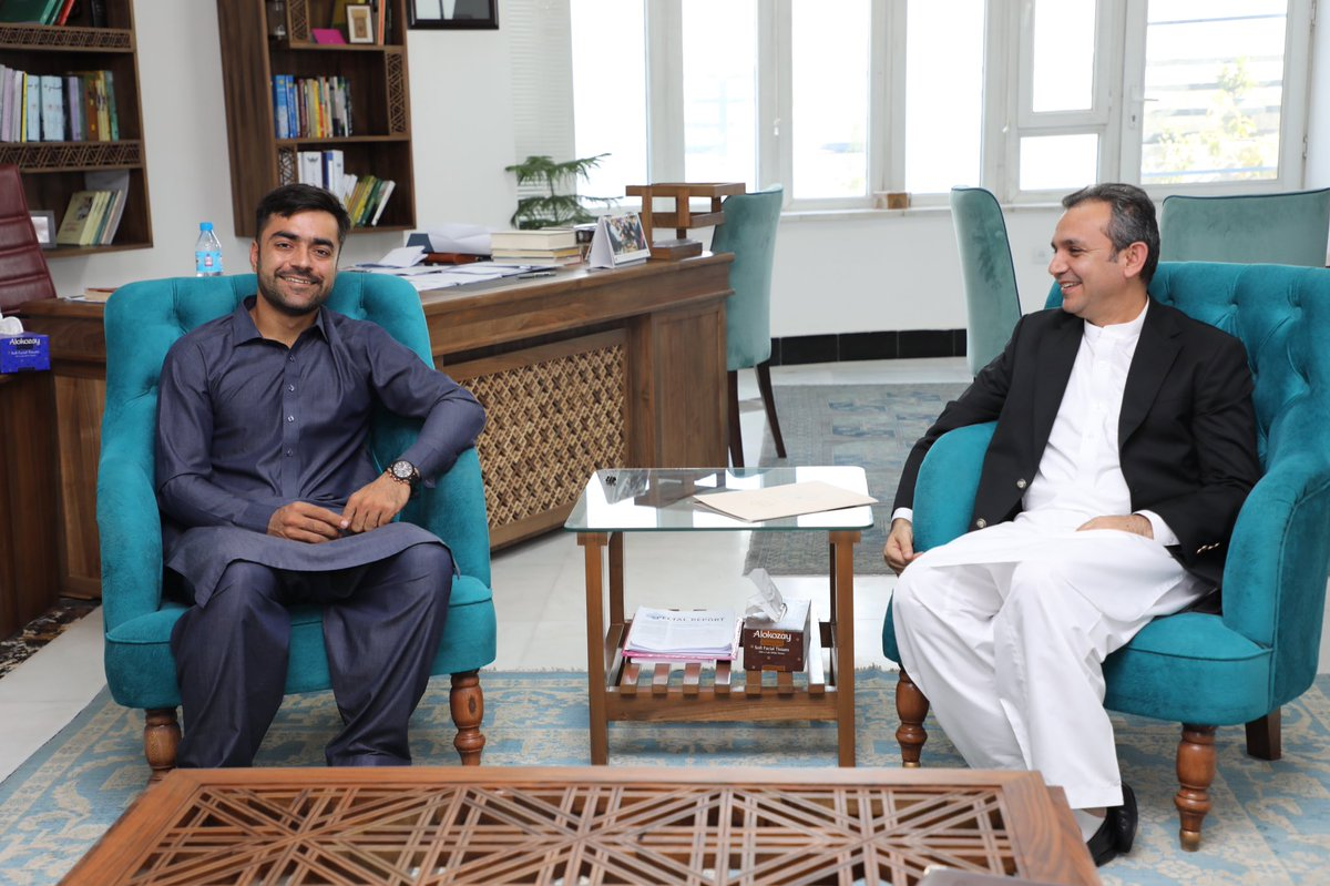Such a pleasure 2 receive our hero @rashidkhan_19 the newly assigned Capitan of our National Circket team. Capitan Afg is humble, committed & aware of the hard work done by those started circket 1.5 decade ago & what requires 2 move forward. In him we have the best of our nation. <br>http://pic.twitter.com/cm7Dj7MlmP
