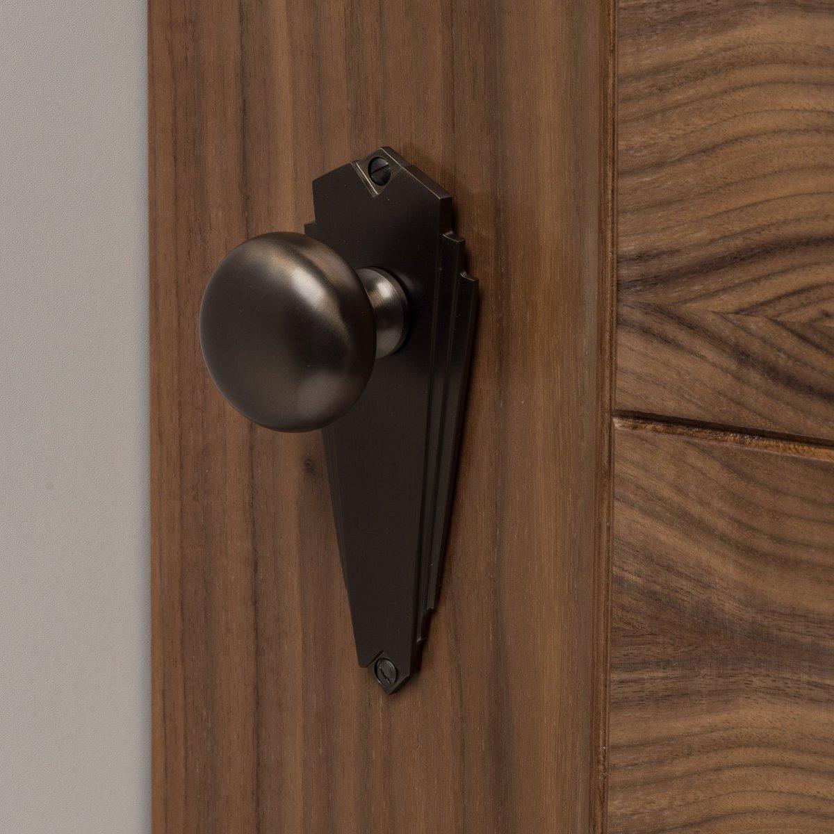 Handles4u On Twitter Love These Solid Brass Art Deco Style Door Knobs From Heritagebrass Showcased Here In The Matt Bronze Finish Stunning Uplift For Any Door Interiordesign Interiordecor Doors Knobs Solidbrass Artdeco