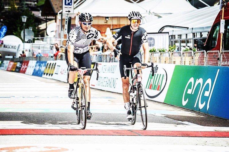 Z instagrama Roberta 📸#️⃣8️⃣8️⃣🚴♂️💨 #rk88 #RobertKubicaKlub #robertkubica #Kubica #Orlen #orlenteam #cycling #maratonadlesdolomites @PKN_ORLEN @DanielObajtek @TeamORLEN @mdolomites @FisioMonachino @tobiacavallini