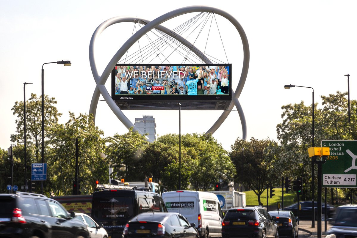 Such great reactive #DOOH campaigns congratulating @englandcricket on their #ICCCricketWorldCup2019 win. Well done to the England cricket team!  <br>http://pic.twitter.com/RCkLVDg1Gm