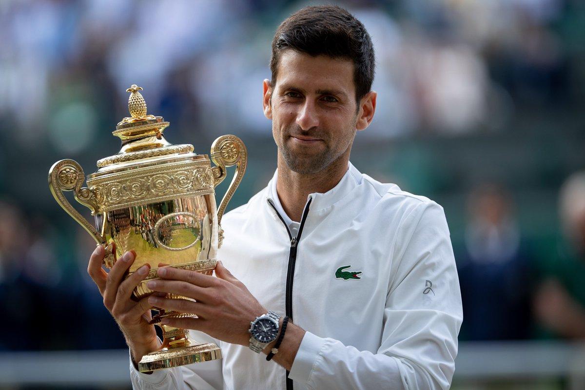 Trik dan Selebrasi Unik Novak Djokovic Setelah Menangi Wimbledon 2019