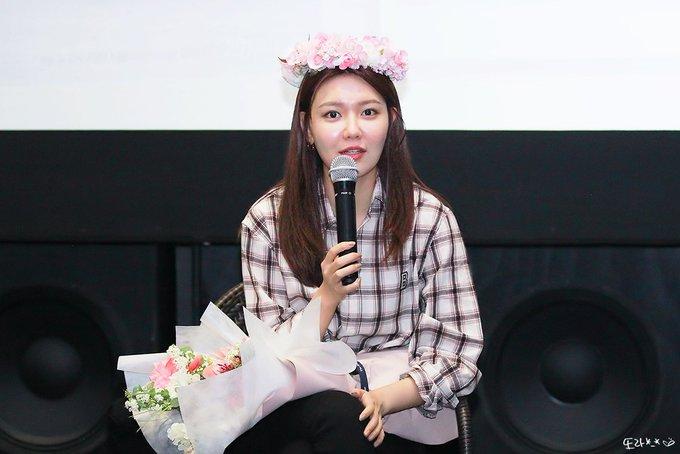 [PHOTO] 190420 Sooyoung - CGV Fantalk Live D_gsVPiU8AMcyb1?format=jpg&name=small