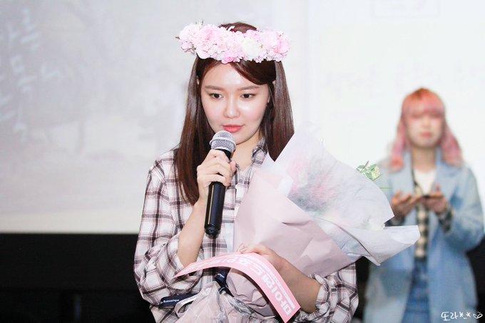 [PHOTO] 190420 Sooyoung - CGV Fantalk Live D_gsbq-UEAIfHzQ?format=jpg&name=small