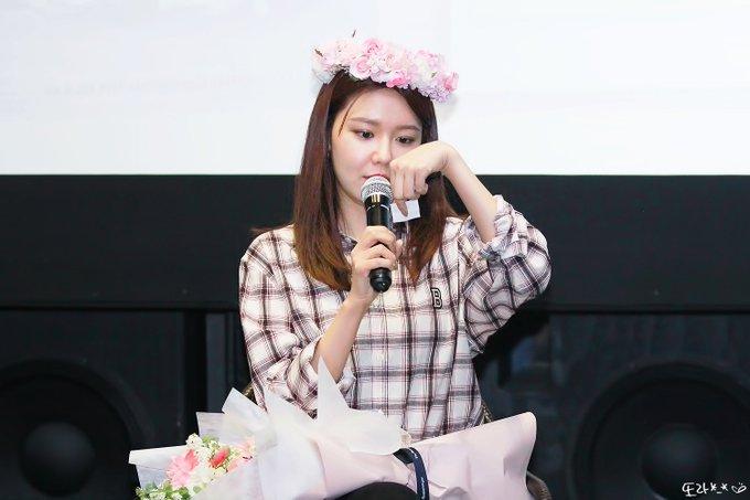 [PHOTO] 190420 Sooyoung - CGV Fantalk Live D_gsbqyUcAAv78q?format=jpg&name=small