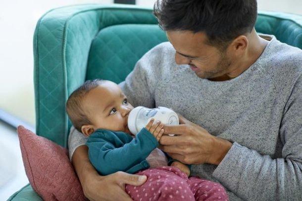 #Maternidad | ¿Por qué los bebés tienen cólicos? ¡Te enseñamos a escoger el biberón perfecto que no produzca cólicos a tu #bebé! 👶🍼 http://to.philips/6017EtPeD vía @PhilipsAvent_es