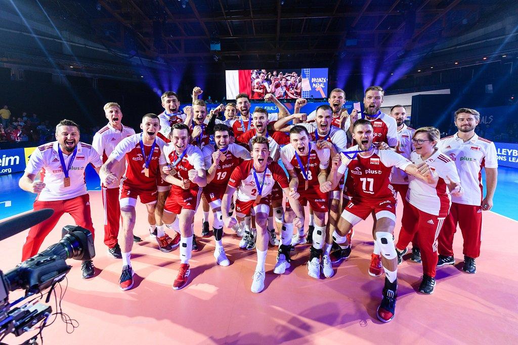 Powitania brązowych medalistów Siatkarskiej Ligi Narodów 2019! https://www.pzps.pl/pl/aktualnosci/217-artykuly/17878-powitania-brazowych-medalistow-siatkarskiej-ligi-narodow-2019…