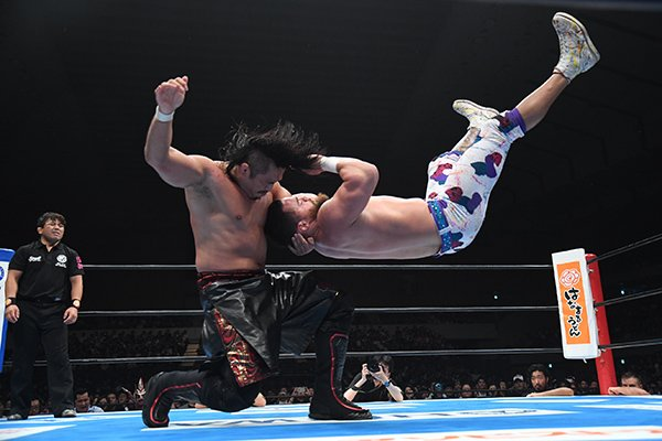 """NJPW: """"G1 Climax 29"""" Día 4 Taichi usa guante metálico sobre Naito 3"""