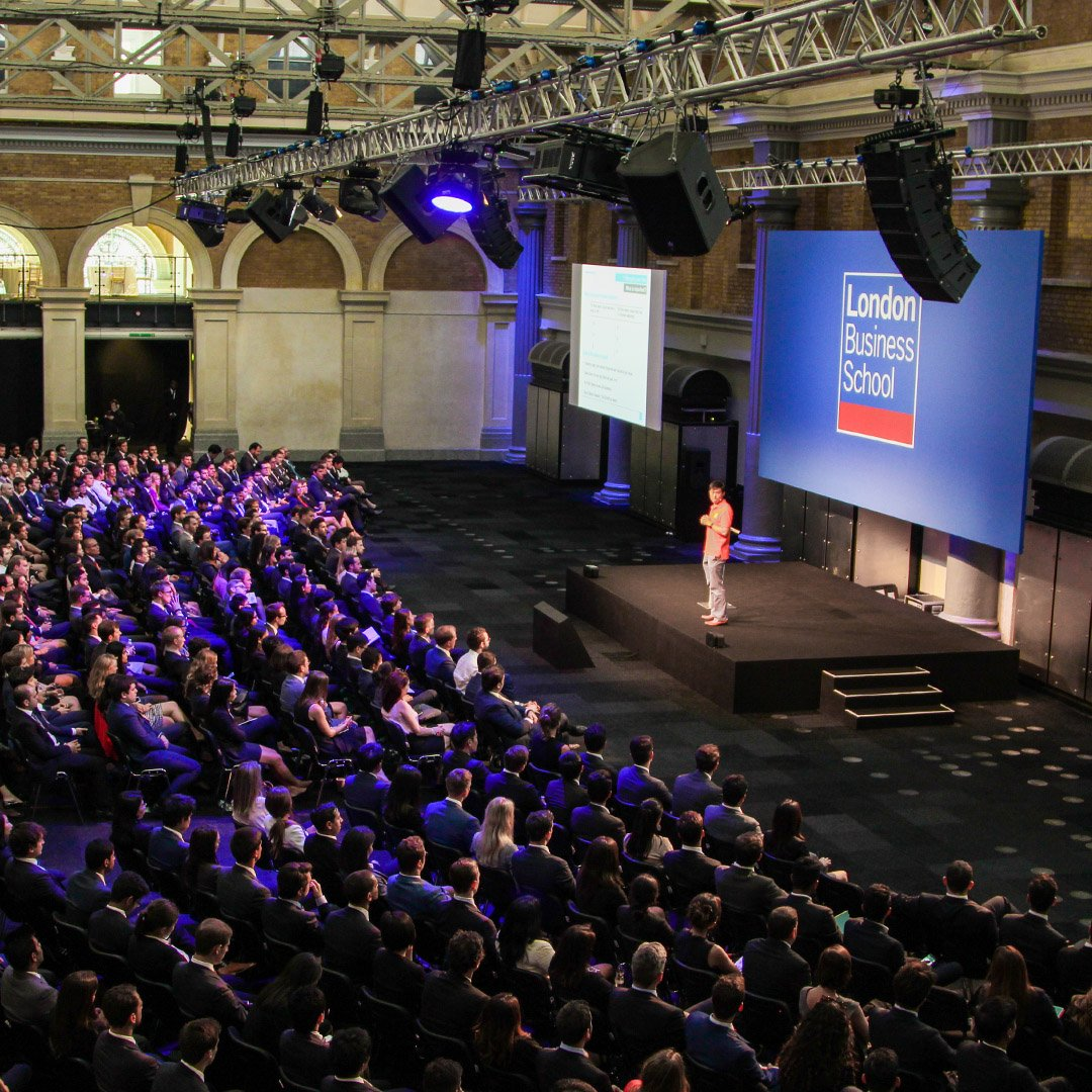 A simple yet effective conference layout we provided at @oldbillingsgate for @LondonBSchool #EOL #Eventproduction #conference #Eventprofs #London https://t.co/Llj8zrV66v