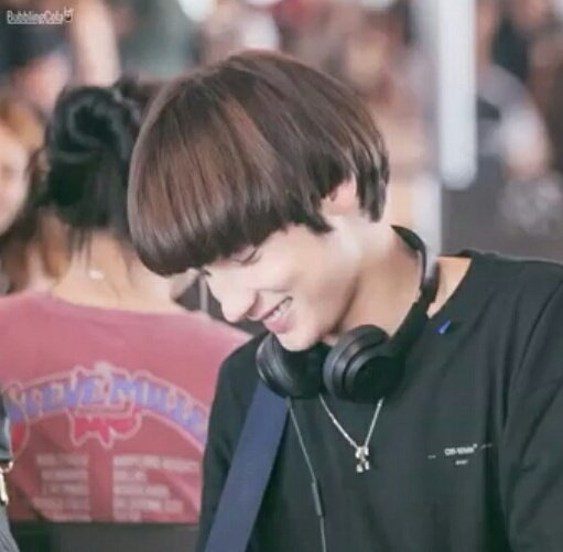 Don't touch me. Don't talk to me. Just leave me cry alone over my baby boy. #HUENINGKAI<br>http://pic.twitter.com/mScQrRdcLK
