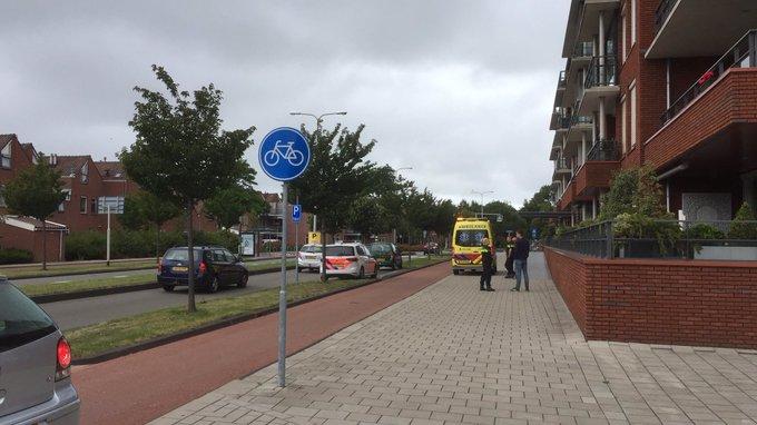 Ongeluk Secretaris Verhoeffweg Naaldwijk betrof eenzijdig ongeval scooterrijdster. Vrouw meegenomen naar ziekenhuis https://t.co/TL8nr2ywRZ