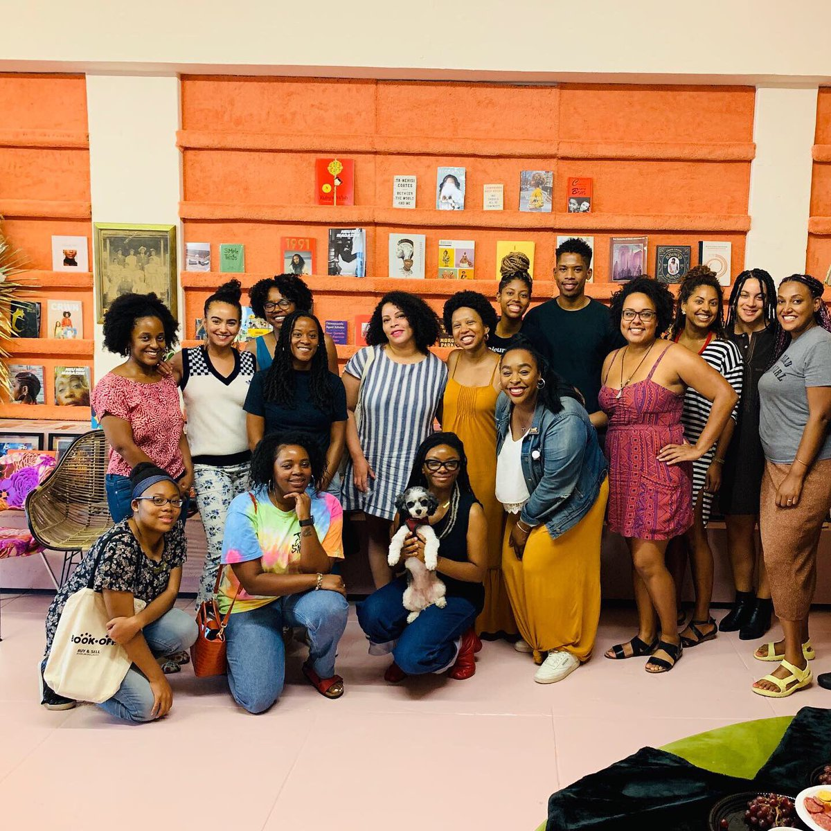 I'm still on a high from this weekend! Our #wellreadblackgirl meet-up was amazing. Huge thank you to reparations.club. Do you live in LA? Join the monthly gatherings on the 2nd Sunday of every month at @booksoup in West Hollywood. Ask for our #WRBG lead Tameka! ✨📖❤️