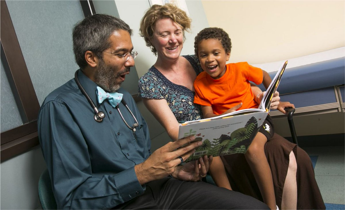 There's our president Dr. Dipesh Navsaria, reading to kids and getting those million dollar smiles. Thanks for all you do to promote early literacy and improve outcomes for children! @navsaria #earlyliteracy @reachoutandread @chawisconsin #earlychildhood