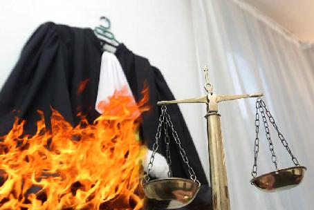 Печерський суд зняв арешт із 415 об'єктів нерухомості Коломойського - Цензор.НЕТ 3237