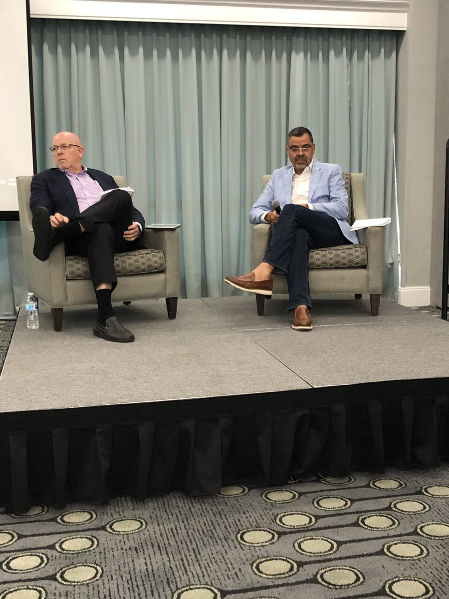 .@TomRobinsonPhd and @charlesiacovou have a conversation with Southern Business Administrators Association on the future of business schools. Topping the list is the need to upskill, be agile w/ emerging technology and be lifelong learners. @AACSB @WakeForest