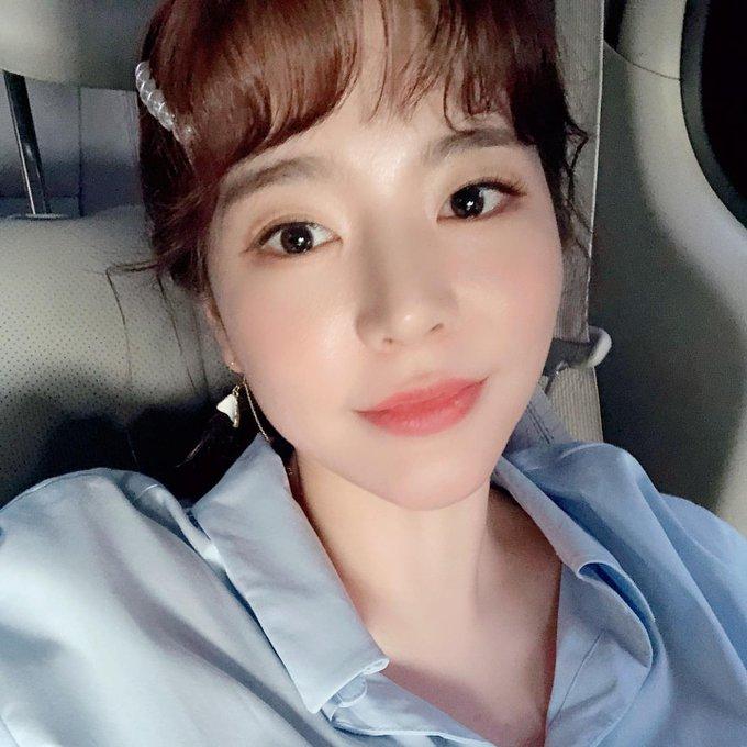 [TỔNG HỢP] Bài đăng của Sunny trên IG D_hNBy9XkAAiOr2?format=jpg&name=small