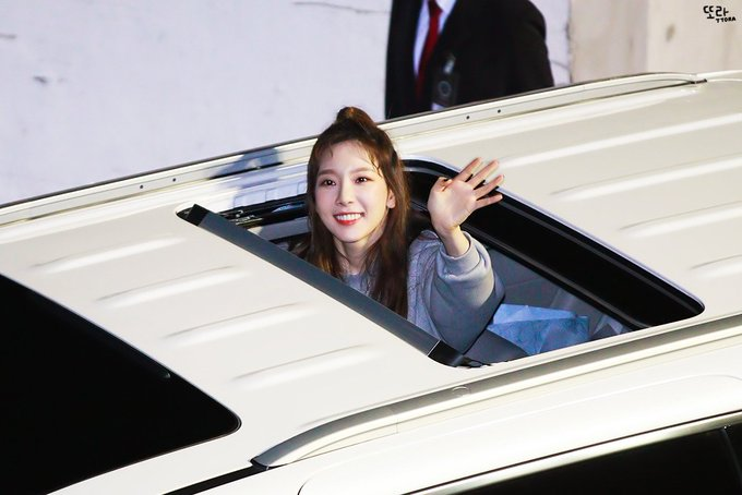 [PHOTO] 190324 Taeyeon after concert D_hR-E2UcAUxRXz?format=jpg&name=small