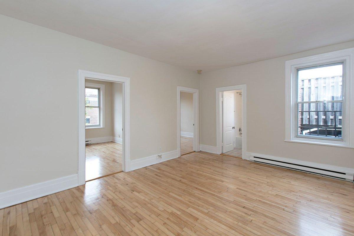Appartements 4½ - #3 & #7 - disponibles en #septembre au Westgrove - 4556 Ste-Catherine O. à 2 pas du parc #Westmount 🌳 - Près du @cusm_muhc - #appartement #louer #montreal #centre #loisir #santé #mcgill #autobus  - https://cromwellmgt.ca/unite/westgrove-4-%c2%bd-large/…