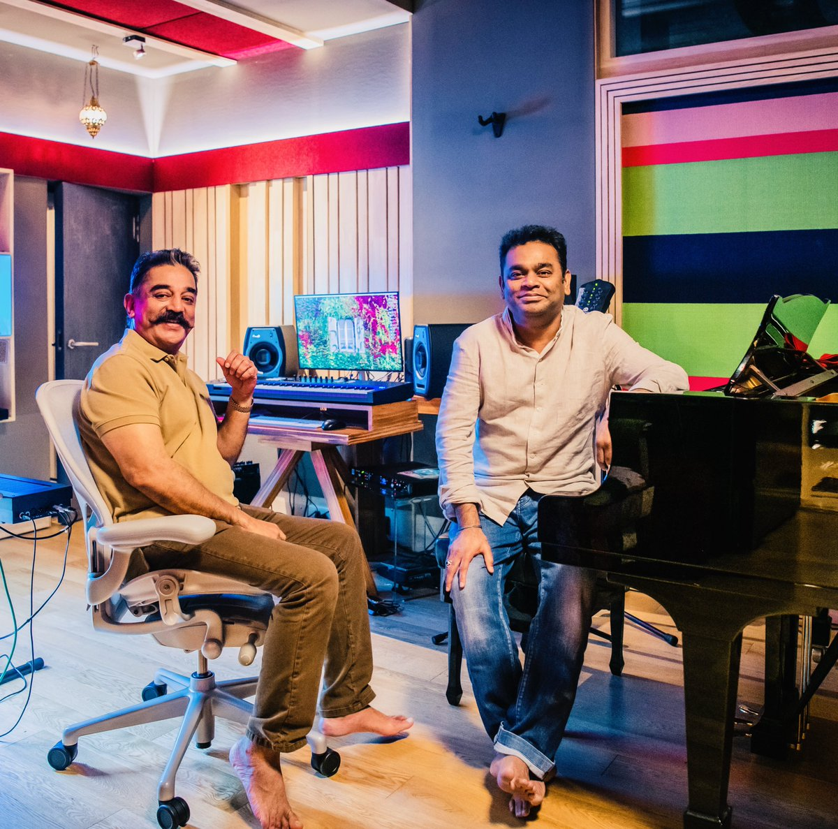 Happy and excited to collaborate with the one and only @ikamalhaasan himself on a magnum opus... Watch this space for more @RKFI @lycaproductions #RKFI #lycaproductions
