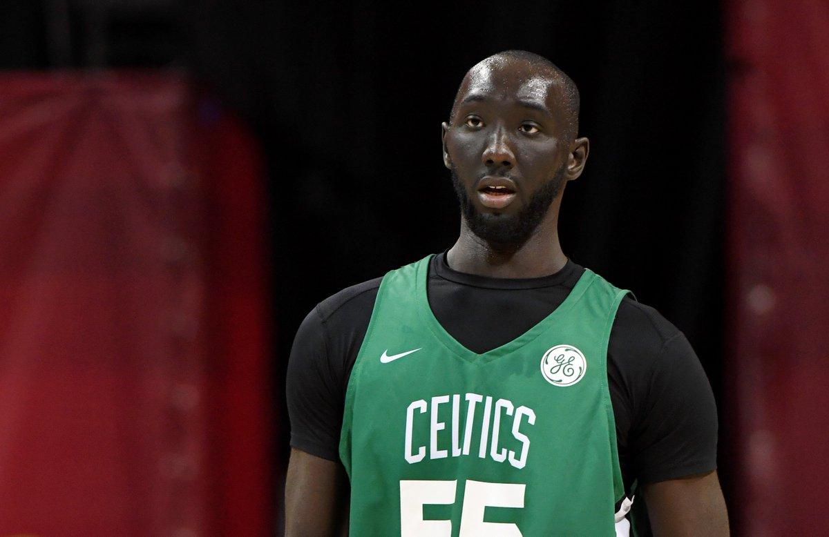 Lo MEJOR de TACKO FALL con los CELTICS en la #NBASummer  Así se mueve un 2.31 sobre la pista...  #nba