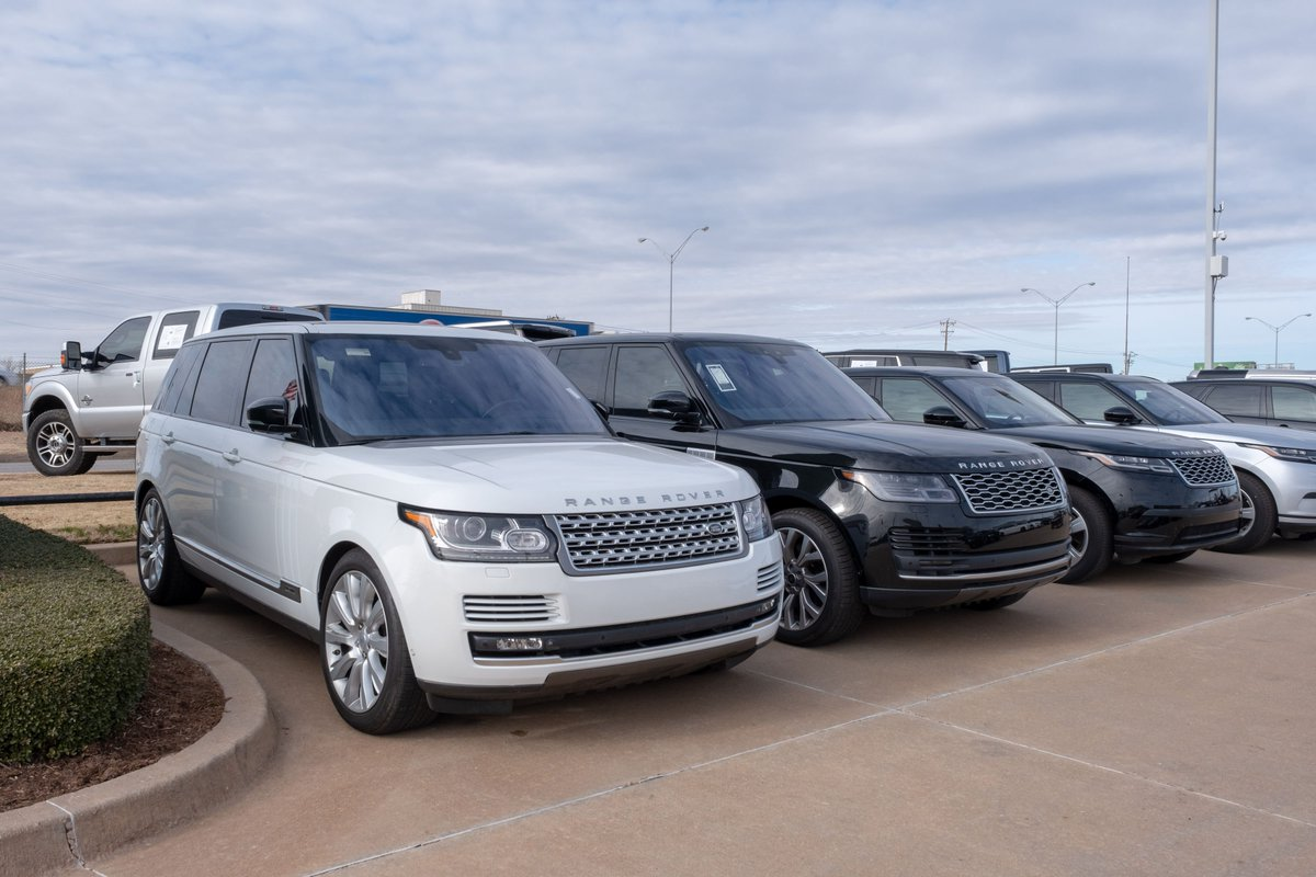 Don't settle for anything less than a first class experience. Test drive the luxurious 2019 #RangeRover today. #LandRoverOKC https://t.co/ieXHKNGTt7