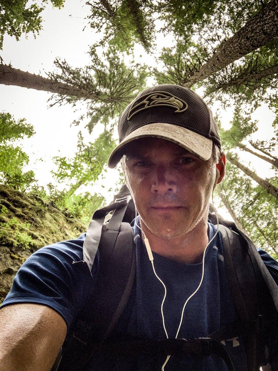 Drizzly, sweaty, stinky.  . . #pacificnorthwest #pnw #washington #climb #explore #hike #climbon #adventure #cascades #GoHawks