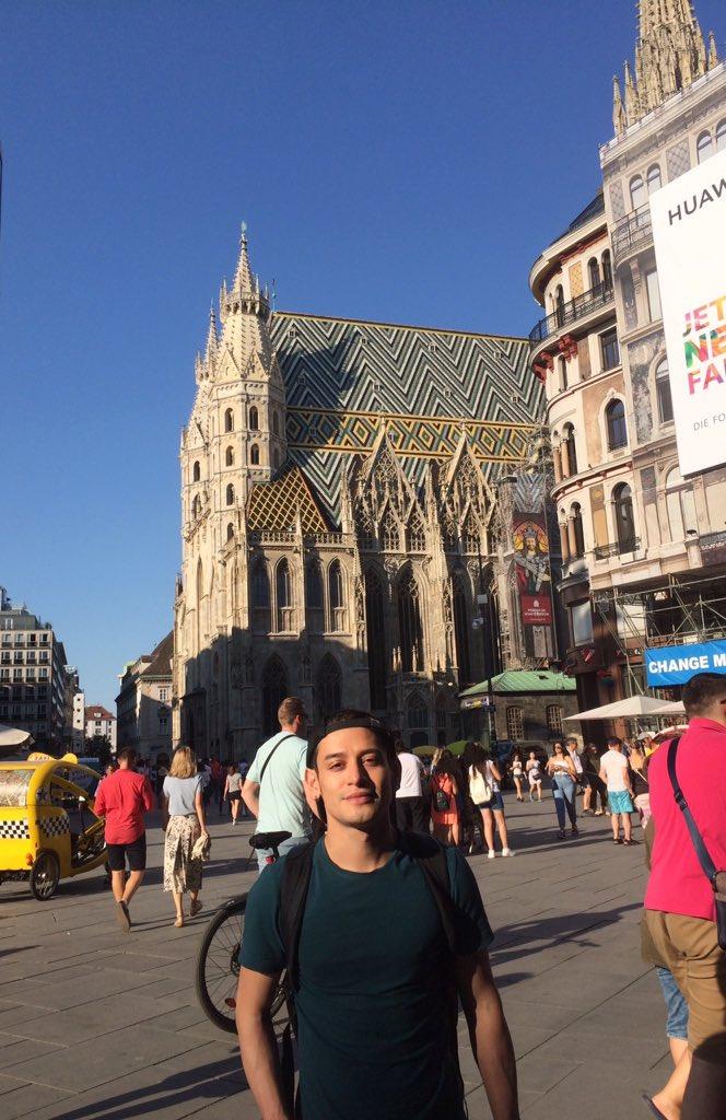 ¡Catedral de San Esteban! 😍⛪️🇦🇹 - #viena #austria #stephankirche #catedral #sanesteban #iglesia #church #österreich #beauty #kirche #travel #bluesky #stephanplatz