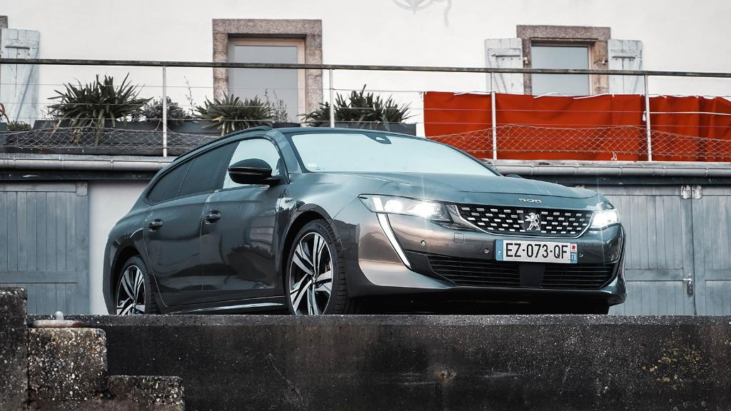 Belle, même au réveil. Nouvelle #Peugeot508SW