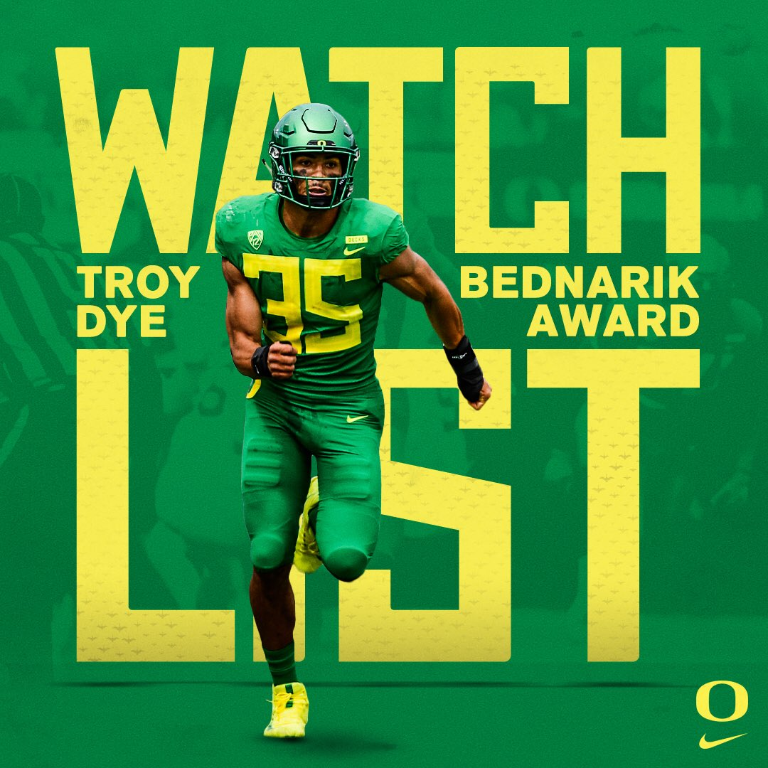 We have a feeling Watch List SZN is gonna be busy for these two.   @Tdye15dbTroy  @BednarikAward  QB1  @TheMaxwellAward   #GoDucks <br>http://pic.twitter.com/R5f86tUP1I
