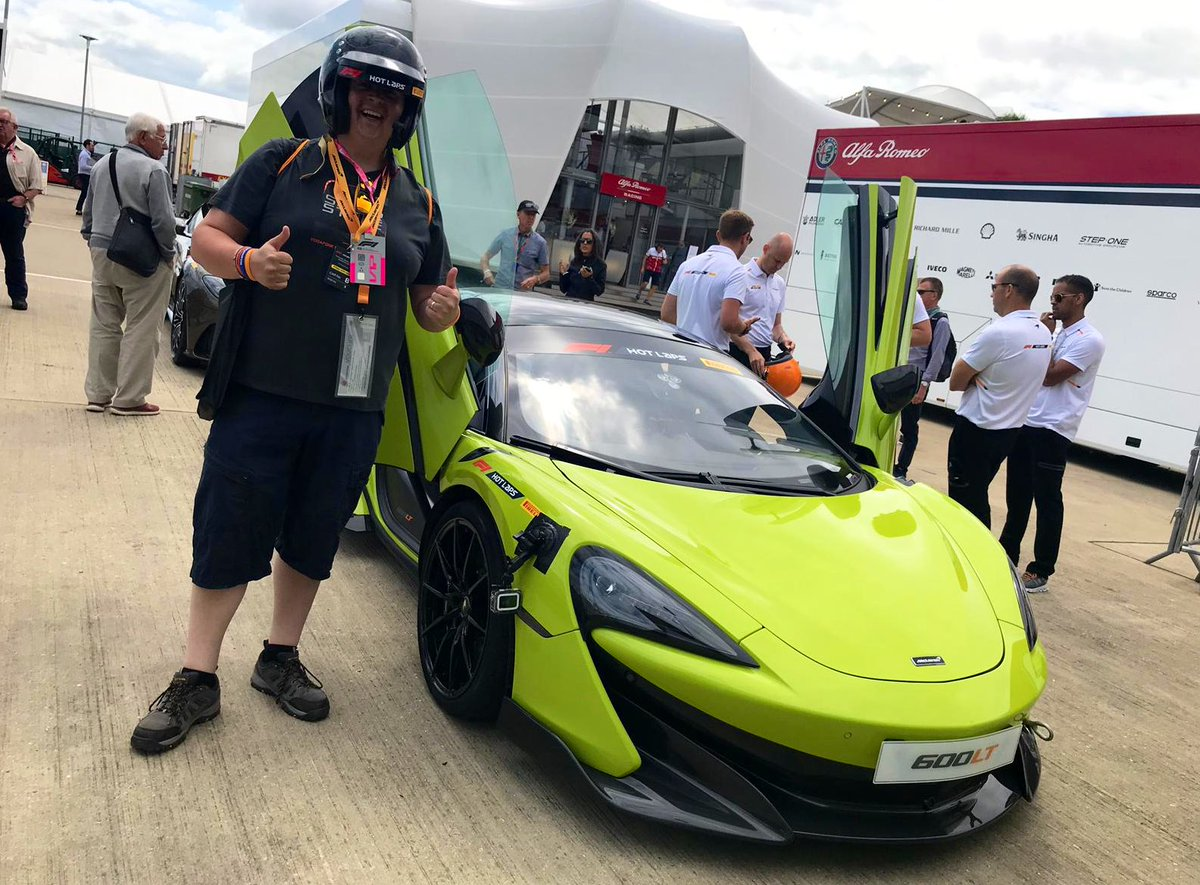 I absolutely loved my @McLarenF1 #F1PirelliHotLaps experience during its debut weekend at @SilverstoneUK! I can't thank the team and all involved for a truly unforgettable experience! #McLarenMonday 🔶🔹 https://twitter.com/mclarenauto/status/1150799396356775936…