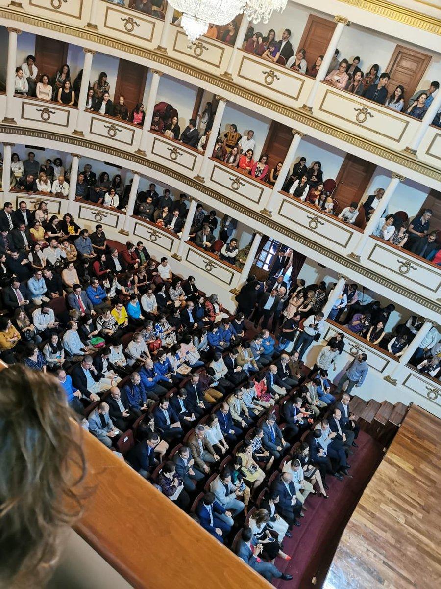 #QuerétaroseDiseña En el Teatro de la República de @QroMunicipio, el Consejo Querétaro Creativo presenta la Candidatura de Querétaro como Ciudad Creativa de Diseño ante la UNESCO https://t.co/Oeegx9PJlZ