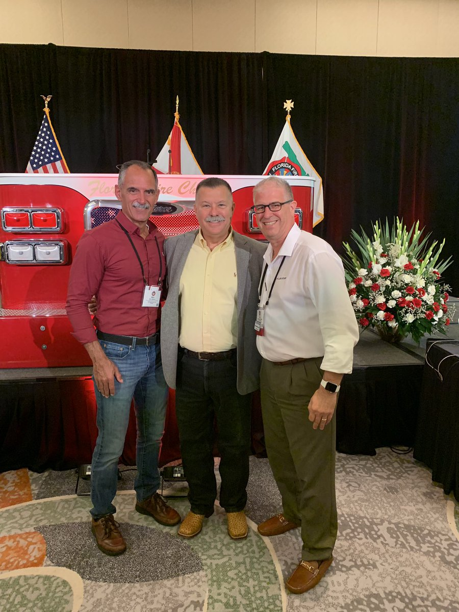 Great catching up with @FireRescue1 Chief Marc Bashoor & @ChiefRubin this afternoon @FlFireChiefs annual executive development conference @BocaResort @floridaFFsafety @FloridaPIOs @FPF343 @WalterIAFF @BobbyHalton @LifeScanSaves @IAFC_SHS @IAFC_EFO
