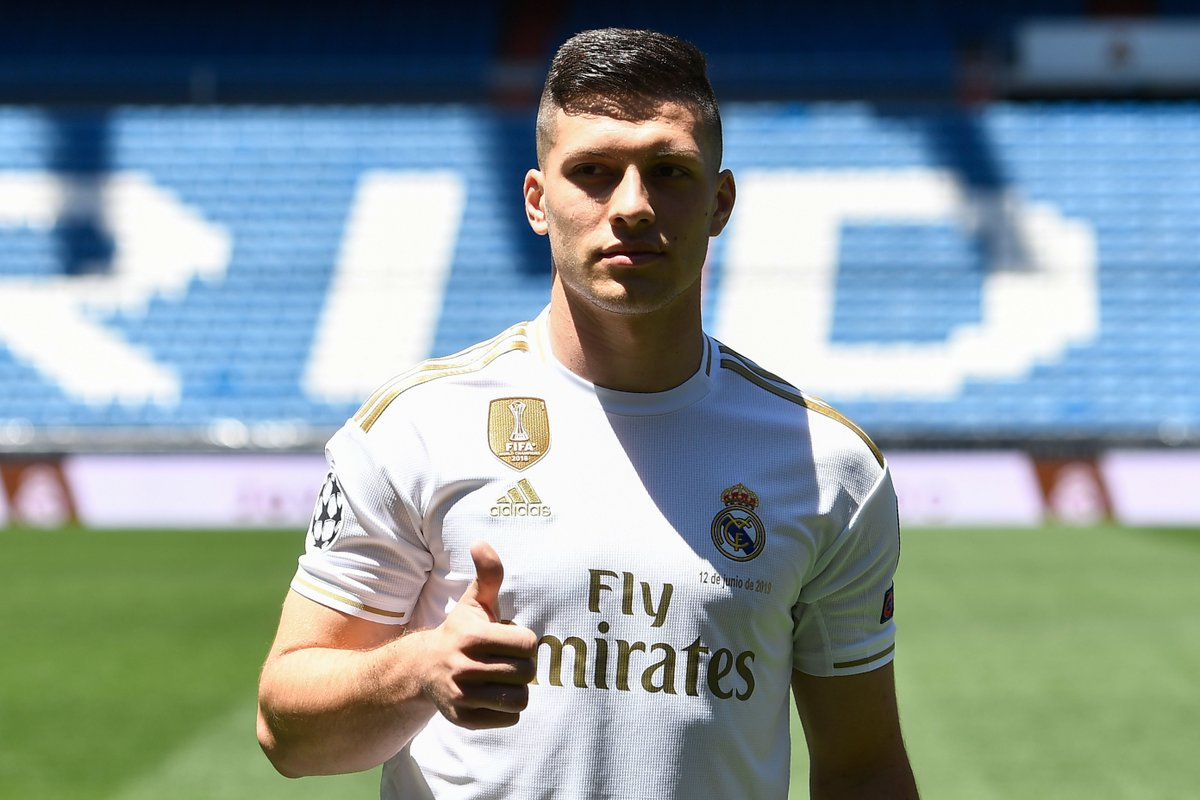 🗣 Luka Jovic: When I was young, my sister developed leukemia and was in and out of hospital for a long time. It was amazing when she was cured because we had been scared for so long. When she beat her illness, it gave me a fire to succeed. I wanted to be a winner like her.