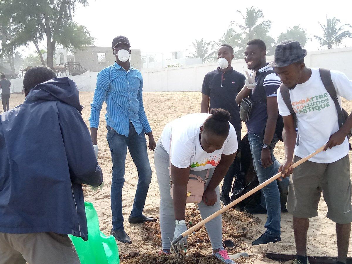 #ParcoursDuLittoral 2019 05/07/2019 Les Ambassadeurs de la Protection de l'environnement en place et pour combattre la Pollution Plastique sur les plages et dans les Océans: #CombattreLaPollutionPlastique #PDL_2019 #BeatPlasticPollution @ONUEnvironmt @Mineddci @MINASS_CI @OulotoD