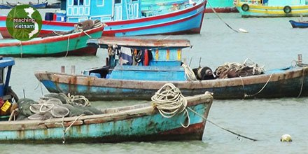 """test Twitter Media - In John 21:5-6, Jesus said, """"Cast the net on the right side of the boat, and you'll find some."""" The disciples not only had a huge haul of fish but joy in seeing Jesus.  Pray for Vietnamese who are hurting and need Jesus to be made known in their lives. #pray4vietnam https://t.co/4kfTN6AoJS"""