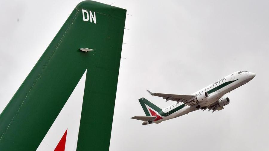 Alitalia, Fs individua Atlantia come partner con D...