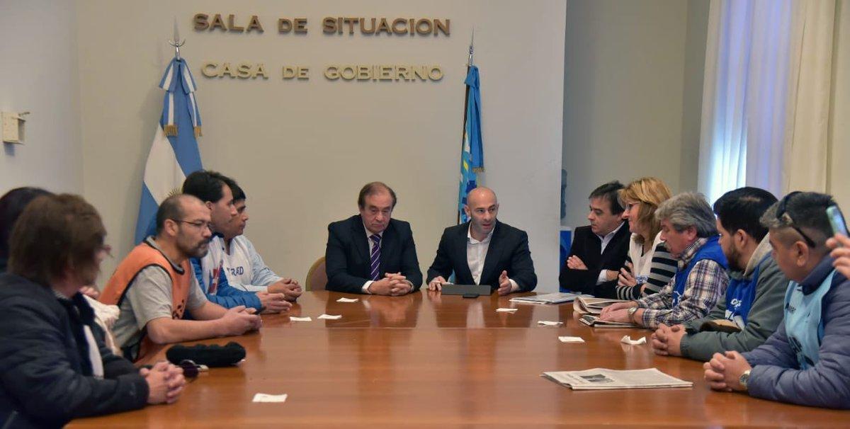 #Diálogo   El ministro coordinador @massonifederico afirmó que se creó una mesa sindical de consenso que permitirá el diálogo permanente y la búsqueda de soluciones. Más detalles 👉https://bit.ly/2GdQd5r #ChubutGanaSiEstamosTodos