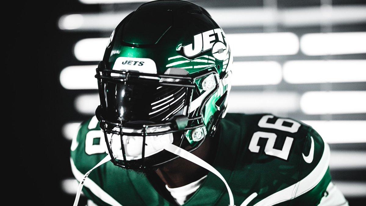 9⃣2⃣ overall  9⃣6⃣ ball carrier vision 9⃣5⃣ agility 9⃣5⃣ juke move 9⃣2⃣ acceleration 9⃣1⃣ break tackle  We can't wait to give @LeVeonBell the rock in #Madden20 🎮
