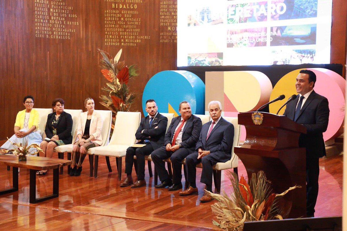En el teatro de la República el Alcalde Luis Nava dio a conocer Oficialmente a Querétaro como Candidata a Ciudad del Diseño por la UNESCO.  #QueretaroLoHacemosTodos  #QuerétaroSeDiseña https://t.co/kaljicT3ow