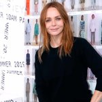 Image for the Tweet beginning: Stella McCartney signs deal with