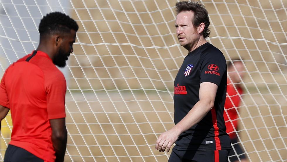 📡 El cuerpo técnico también tiene sus fichajes. #Atleti #LaLiga #Fichajes #Pretemporada   ➡️ https://www.mundodeportivo.com/futbol/atletico-madrid/20190715/463497078299/el-cuerpo-tecnico-tambien-tiene-sus-fichajes.html…