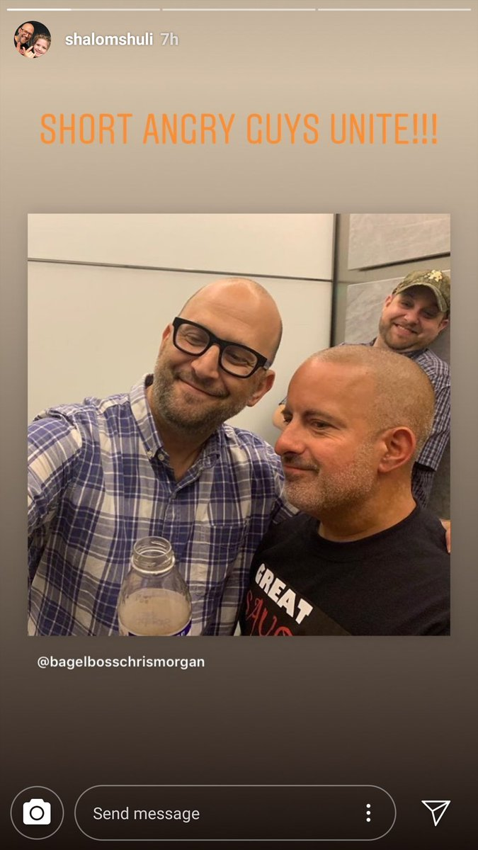 It's @shalomshuli and the #bagelguy with some stud photobombing them. <br>http://pic.twitter.com/F8xaMyRA69