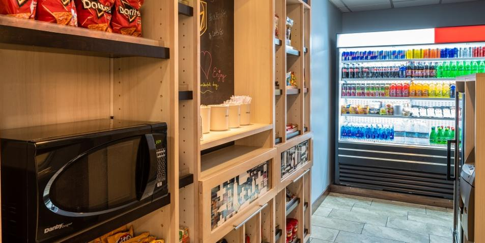 Searching for suite #snacks? You've come to the right place! https://bit.ly/2RPccUX #HamptonInnTropicana #shop