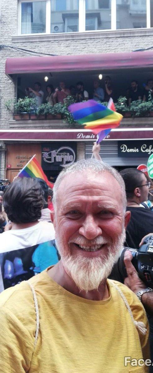 Her yaşta, her yılda ve her renkteki saç-sakalla; #HerYürüyüşümüzOnurYürüyüşü...  From #Pride2019 till death do us apart... 😀 (yaşlandırma için @_pelinakman'a teşekkürlerimle. 💜)
