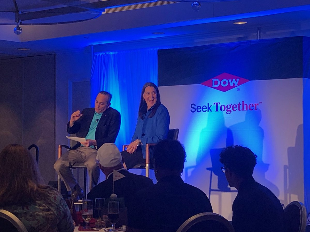 Kicking things off at @DowGLBI Inclusion Summit SOAR with @DowNewsroom @H_Ungerleider and @ConsumersEnergy @poppepk #inclusion #golf @LPGA @LPGAWomen