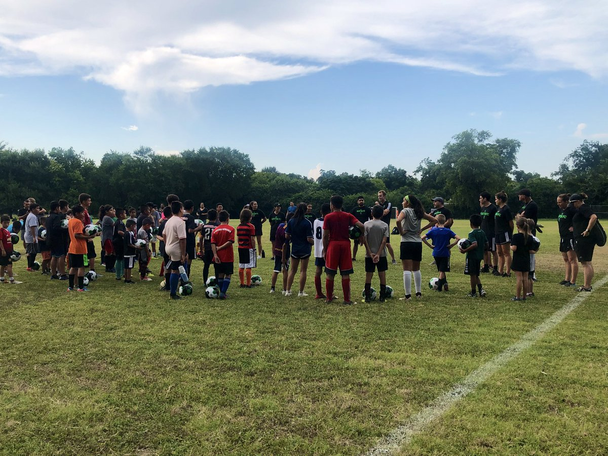 Our 1st Austin FC and @StDavidsHC Community Camp has officially started. 🙌 https://twitter.com/austinfc/status/1150881783048790018…
