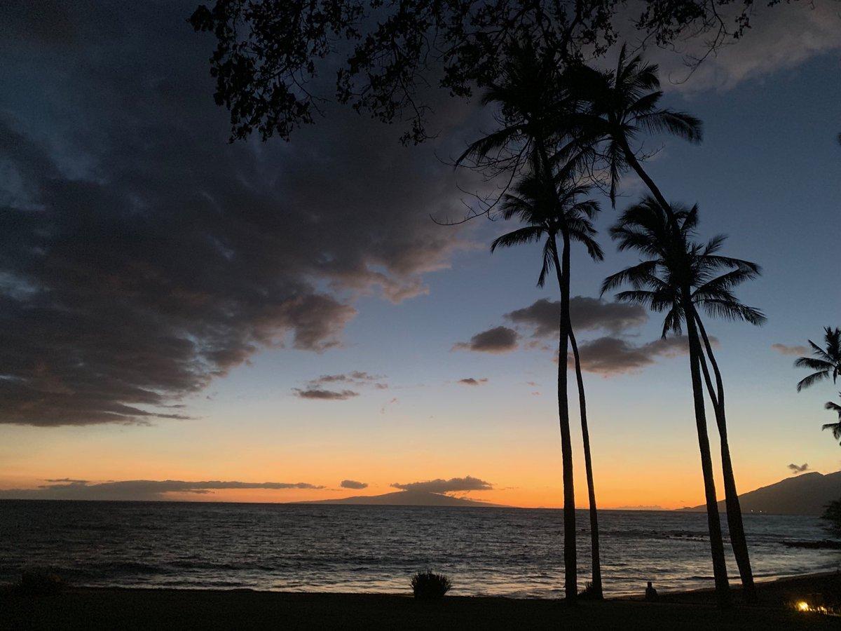 Day's End #Wailea #Maui <br>http://pic.twitter.com/IrhjgmVbq9