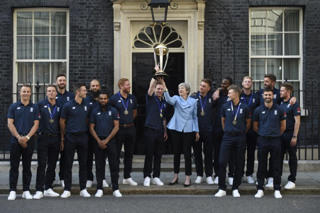 RT @englandcricket: A trip to Downing Street to celebrate! 🏆  #CWC19 #WeAreEngland #ExpressYourself https://t.co/k02e4PhDUF
