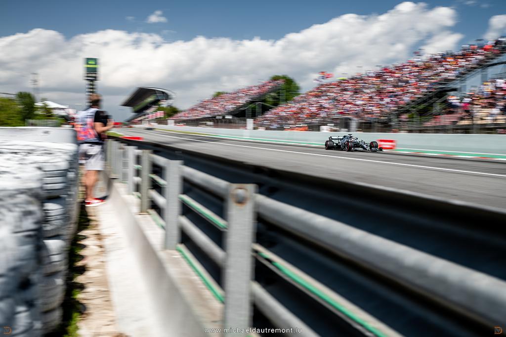 @LewisHamilton au @F1 Grand Prix d'Espagne qui avait lieu sur le @Circuitcat_eng ! 📸: @dautremontm   #spanishgp #SpainGP #F1 #Formula1 #pirellimotorsport #formule1 #FIA #Fit4F1 @MercedesAMGF1 #DrivenByEachOther #amg  #TommyXLewis #hamilton #lewishamilton