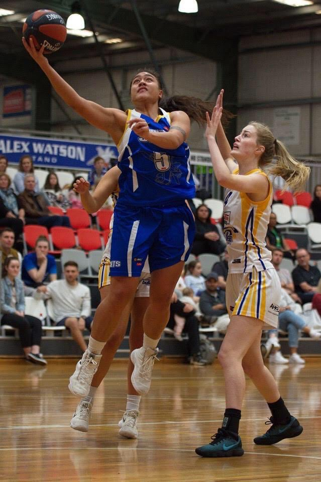Another championship is on the horizon for the Leaupepe's. Lynn and her Sunbury Jets in Australia are currently in 1st place with 2 more games left in the regular season! Let's go Lynn! #twinning #calpolyproud